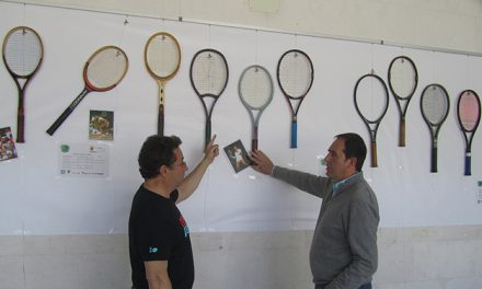 FOTONOTICIA – Expo raquetas con historía