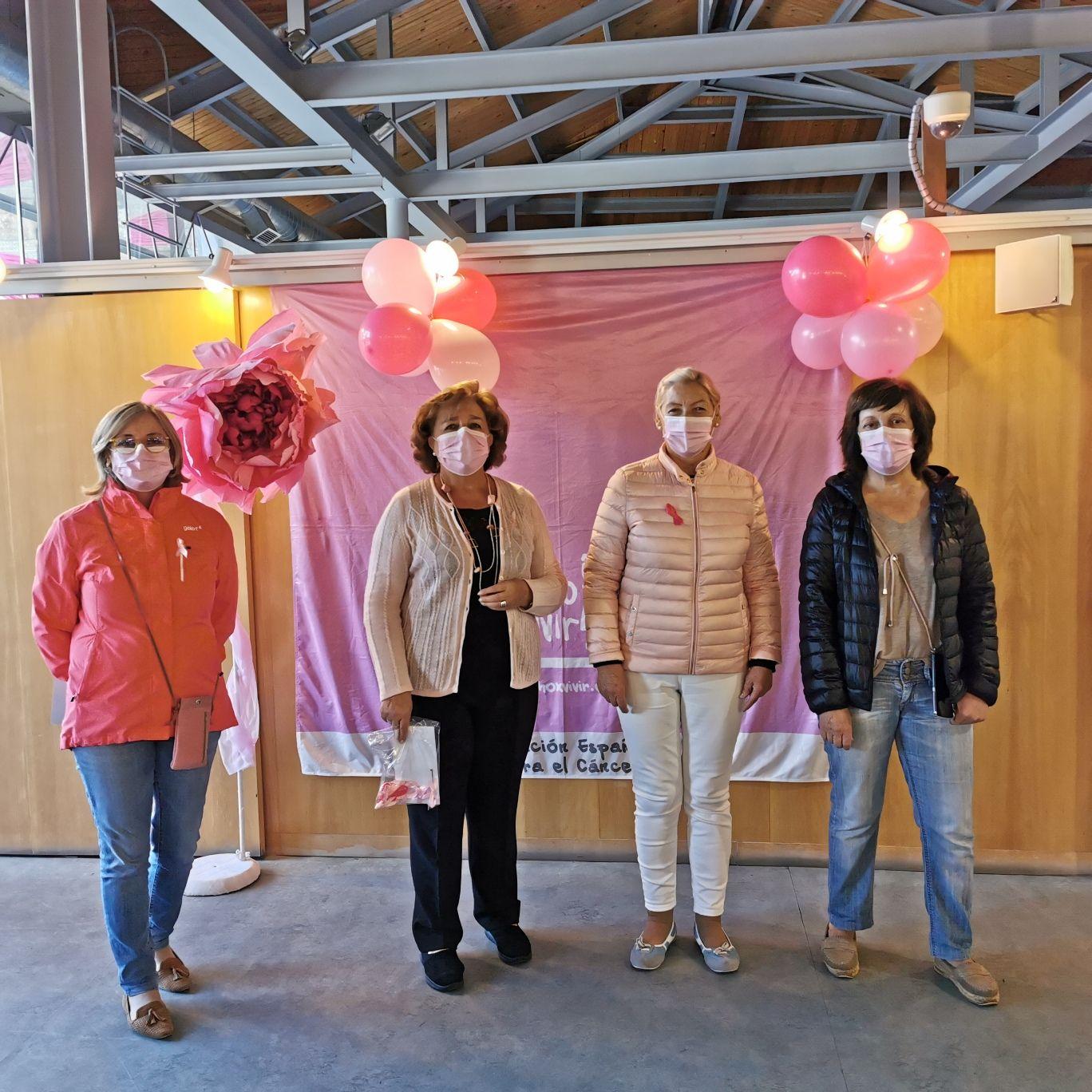 Foto reunión Día Internacional del Cáncer de mama